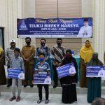 Anggota DPR-RI Teuku Riefky Harsya Salurkan Beasiswa PIP