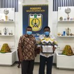 Wali Kota dan Samsat Banda Aceh Terima Penghargaan Dari Ombudsman Aceh