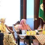 Ketua Dekranasda Aceh Perempuan harus Berpendidikan dan Mandiri