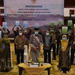 Gubernur Aceh Ikut Penyerahan 2.929 SK Perhutanan Sosial se-Indonesia oleh Presiden Jokowi