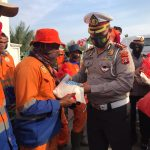 Ditlantas Polda Aceh Peduli Penyapu Jalan