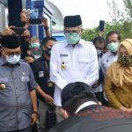 Gubernur Antar Vaksin Covid-19 ke Simeulue Via Kapal Aceh Hebat 1