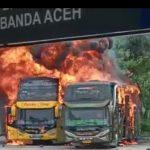Dugaan Korsleting Penyebab Terbakarnya Dua Unit Bus di Terminal Batoh