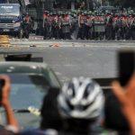 Halau Massa Anti-Kudeta Myanmar, Tentara Duduki RS dan Kampus