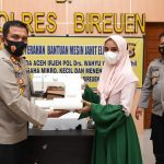Kapolda Aceh Serahkan Bantuan Mesin Jahit Elektrik kepada Pengusaha Mikro di Bireuen