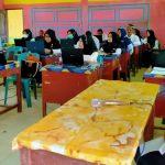 Guru Madrasah Aceh Timur Dilatih LKPD Interaktif dan Media Pembelajaran