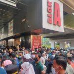 Penuh Sesak Pengunjung Pasar Tanah Abang Hampir 200 Persen dari Kapasitas