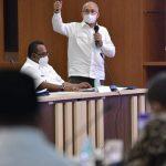 Sekda Aceh Berbagi Pengalaman Pengelolaan Anggaran Daerah di Hadapan Bupati/Walikota