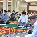 ASN Pemerintah Aceh Khusyuk Lantunkan Zikir dan Doa