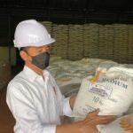No Impor-impor! Jokowi Sebut Stok Beras Bulog Aman